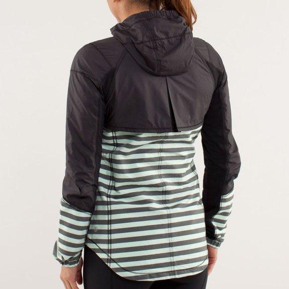 LULULEMON black green sz 4 jacket run get up & go